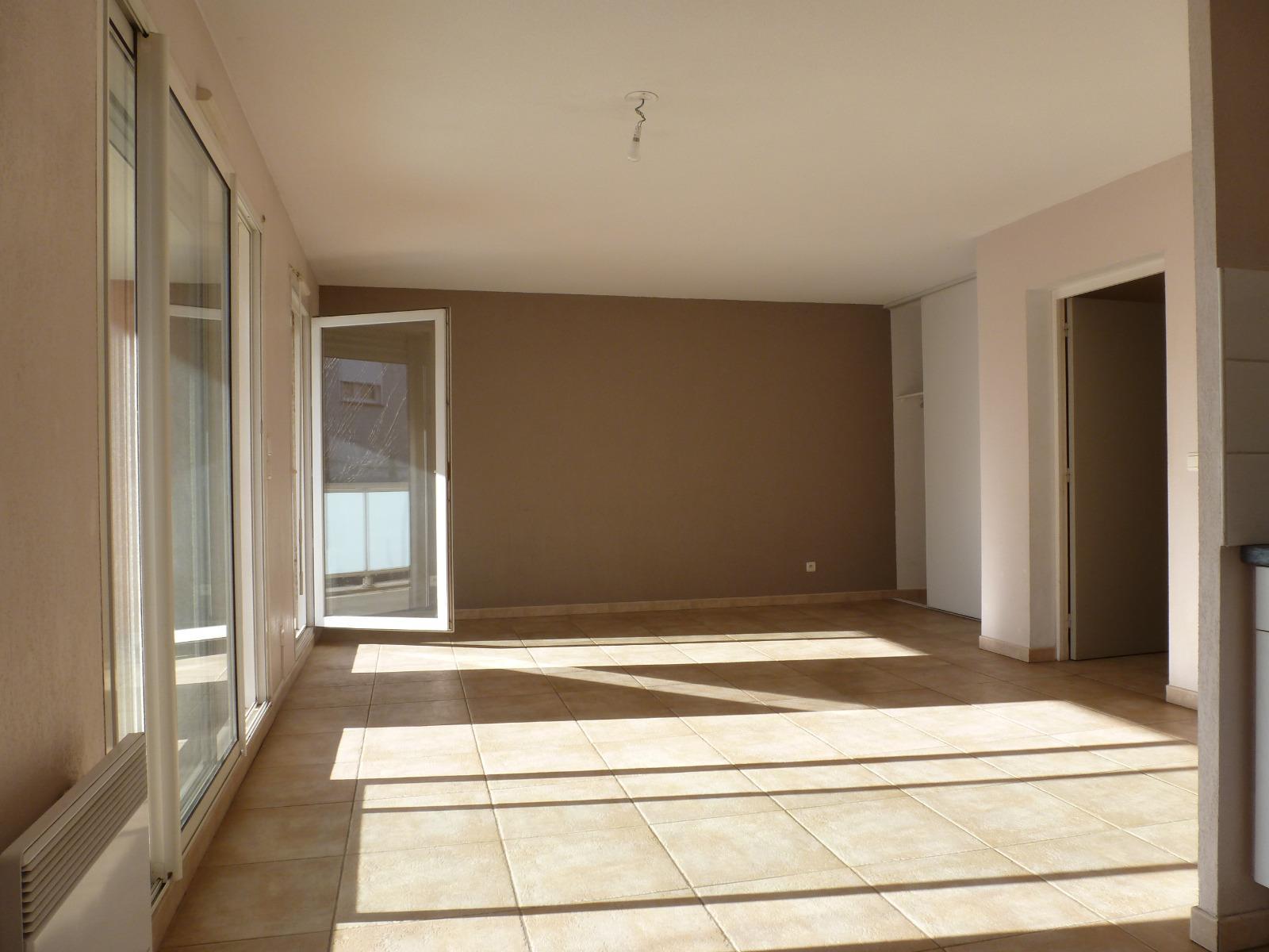 Location location a perpignan sud saint gaud rique appartement t3 677 cc terrasse garage - Location garage perpignan ...