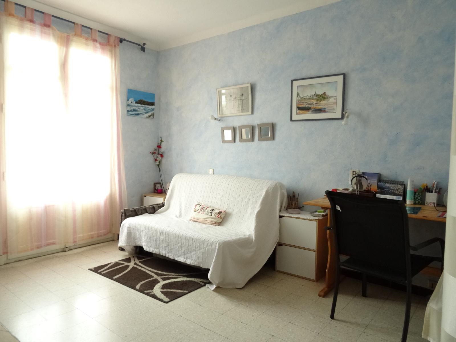 vente vente a perpignan centre appartement type 3 59m sh ascenseur 57 000 casting immobilier. Black Bedroom Furniture Sets. Home Design Ideas