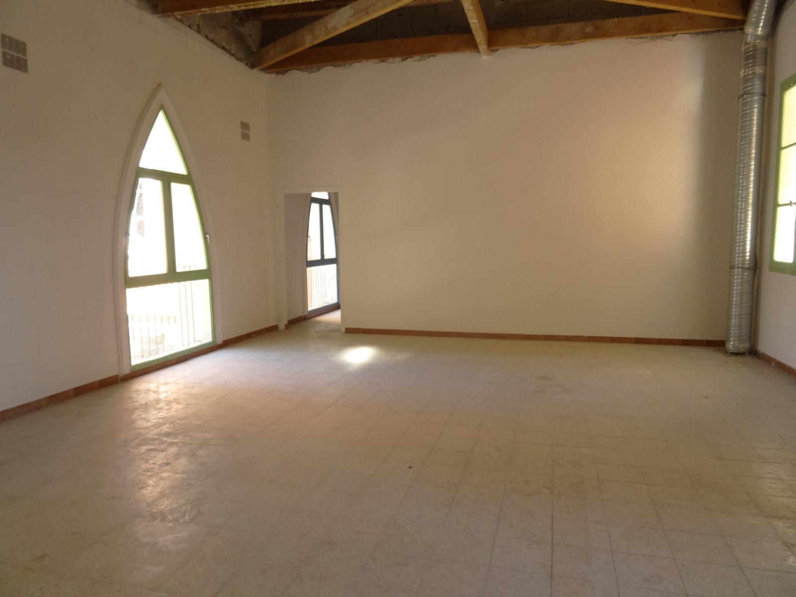location immobilier professionnel perpignan coeur de ville local d 39 environ 130 m. Black Bedroom Furniture Sets. Home Design Ideas